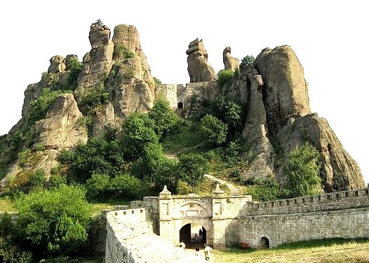Belogradchik Fortress is an ancient fortress close to the northwestern Bulgarian town of Belogradchik. It is one of the best-preserved strongholds in Bulgaria and a...