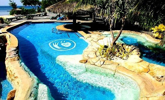 Paradise pool at Tavarua Island Resort, Fiji
