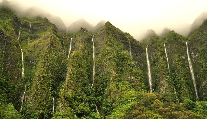 Land of a thousand waterfalls, Ko'olau Waterfalls in Oahu Island, Hawaii